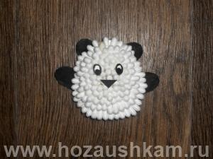 Поделка из ватных палочек Панда