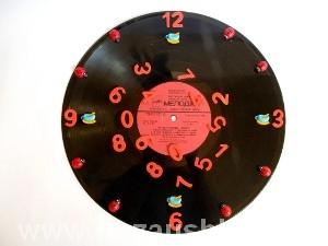 Часы из пластинки фото 16