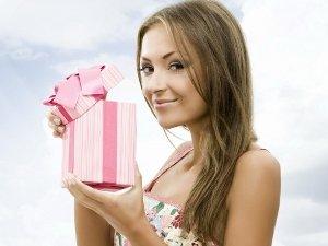 Что подарить на 8 марта дочке